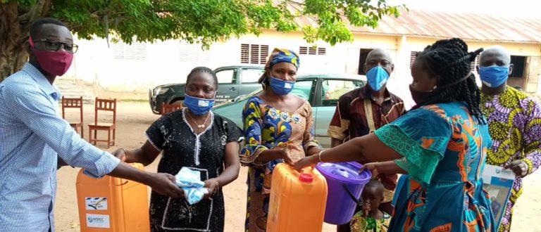 Article : Des kits sanitaires offerts à des écoles de Parakou